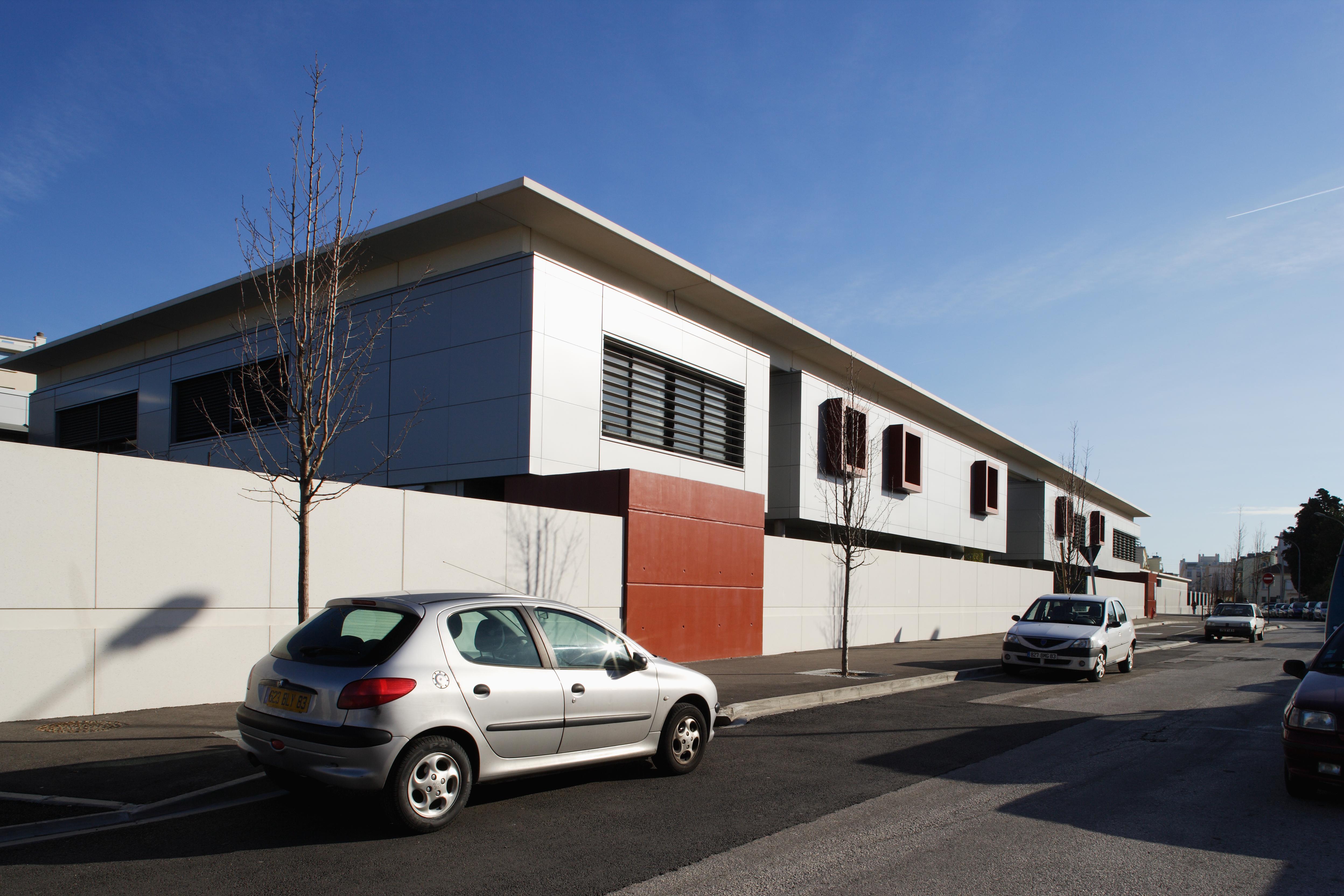 Façade du Collège Paul Eluard par AAPL architecte DPLG VAR
