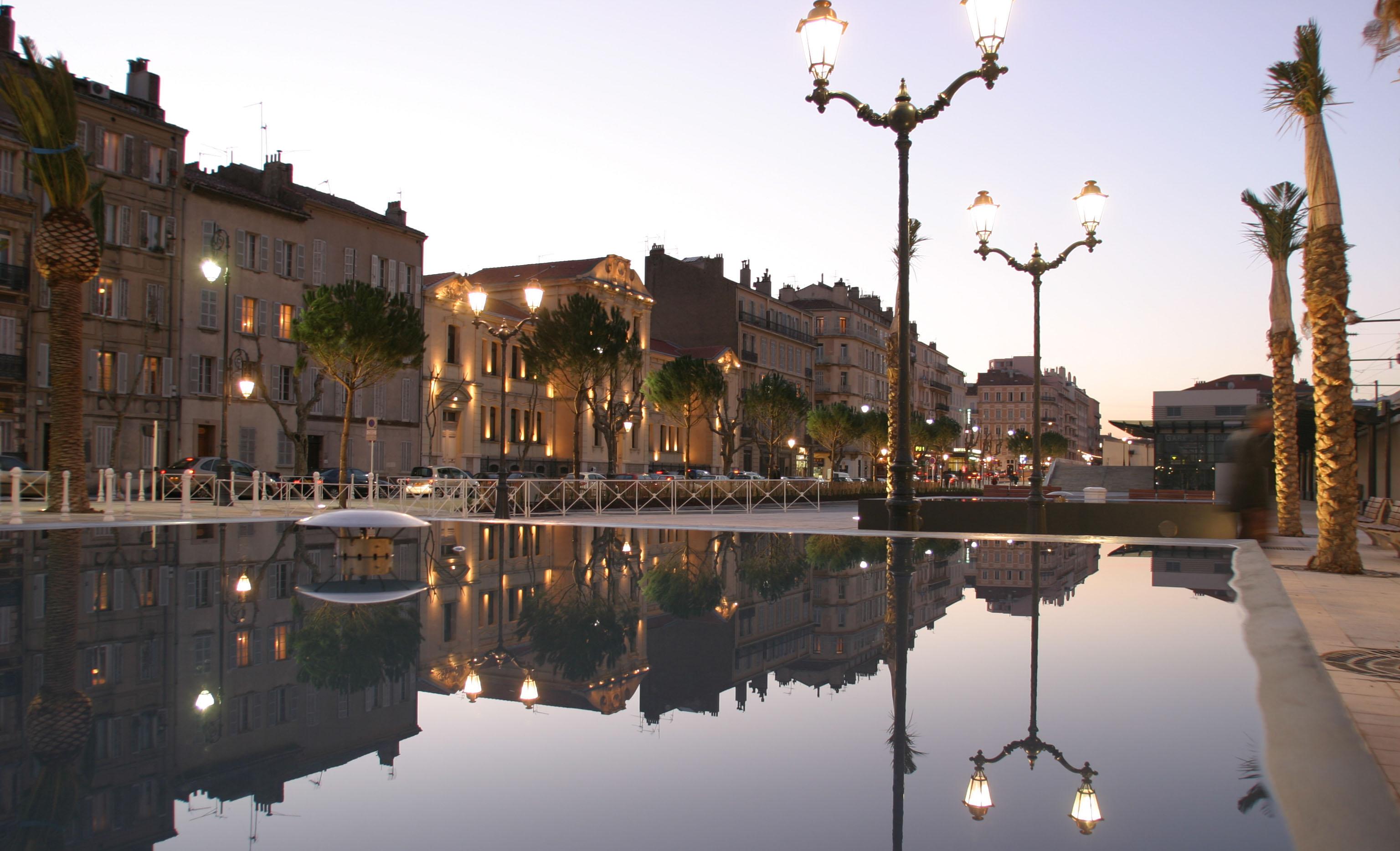 Place Albert - Lampadaire Allumé - AAPL architecte DPLG VAR