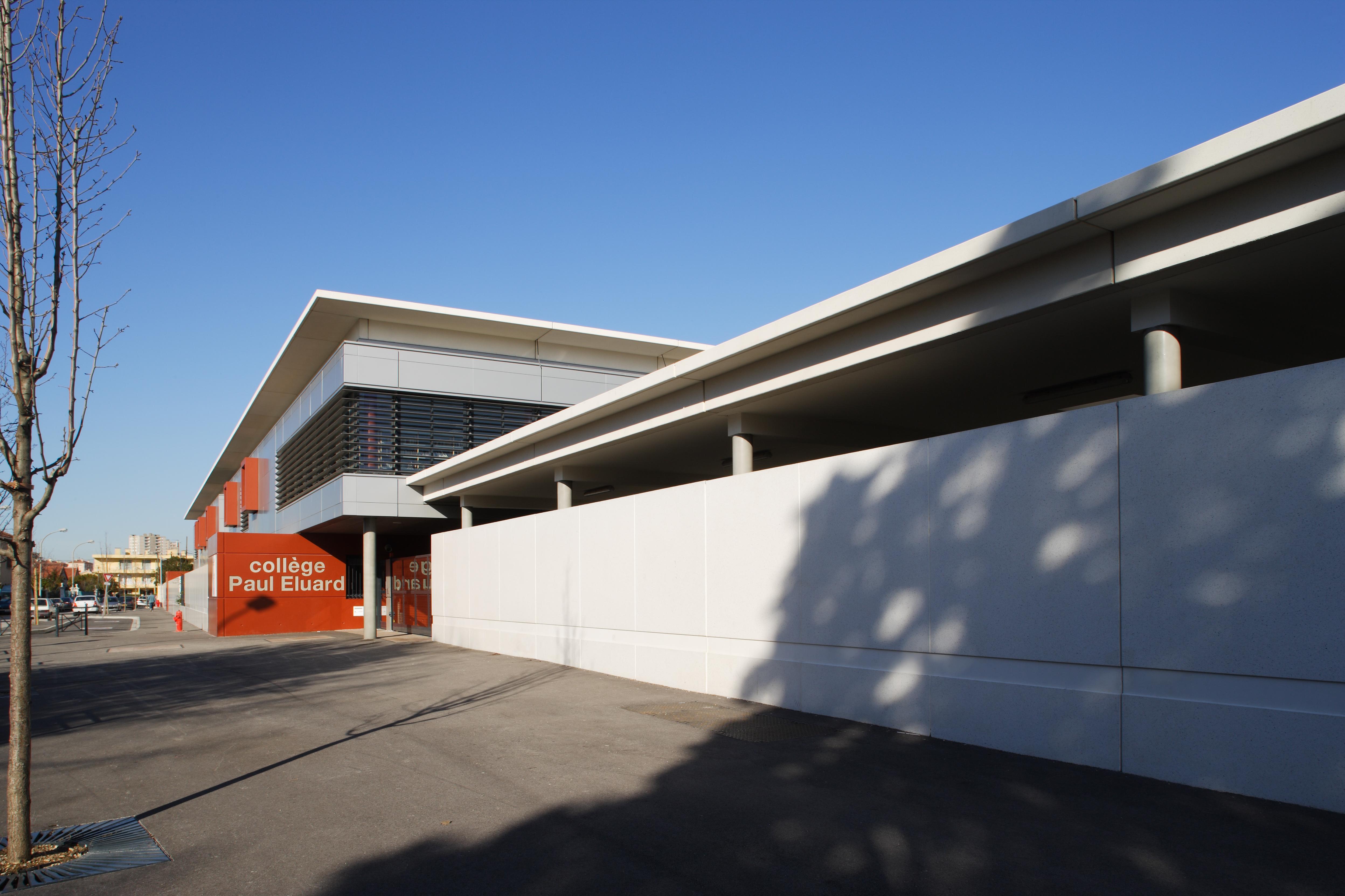 Extérieur Collège Paurl Eluard par AAPL architecte DPLG VAR