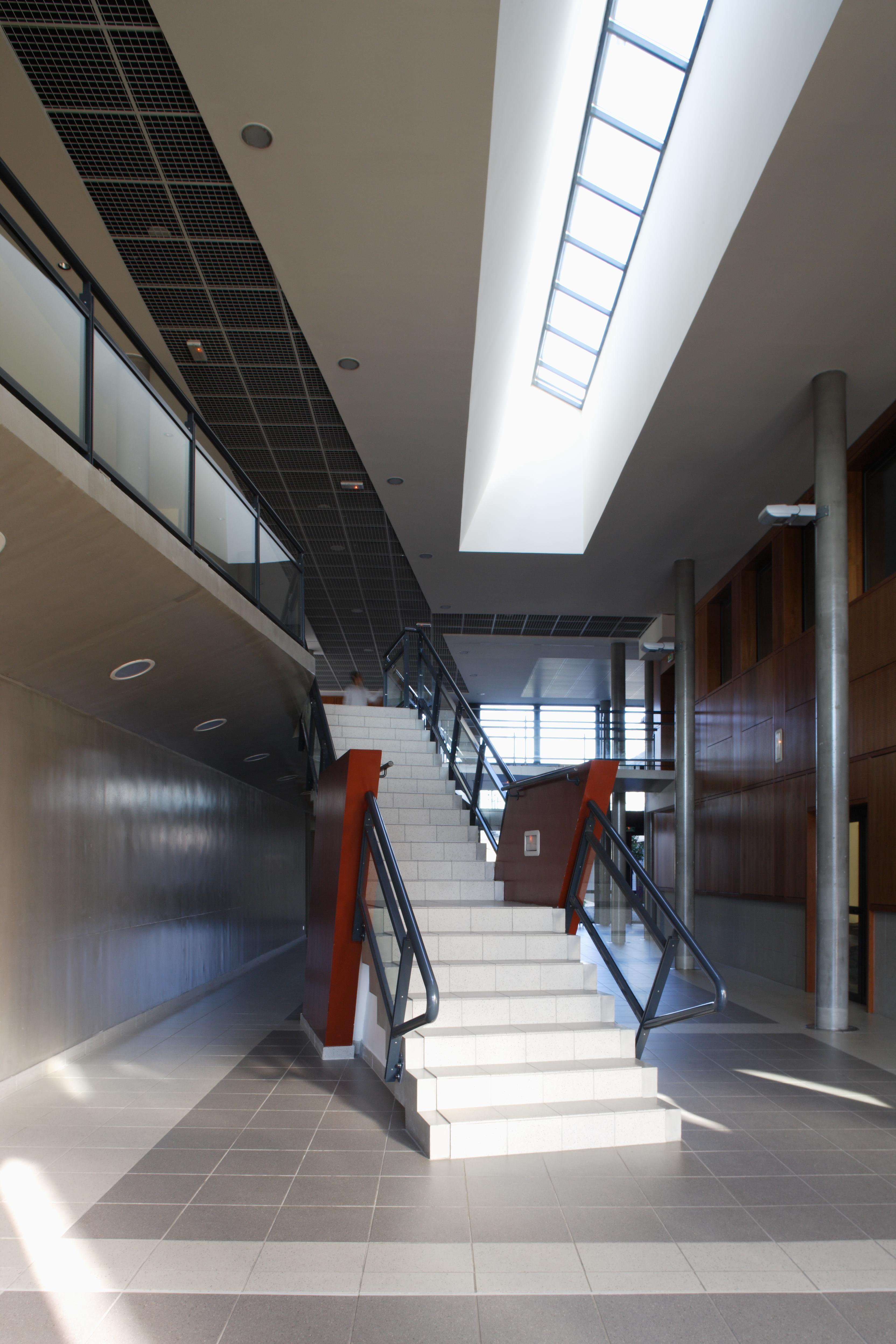 Escalier Collège Paul Eluard par AAPL architecte DPLG VAR