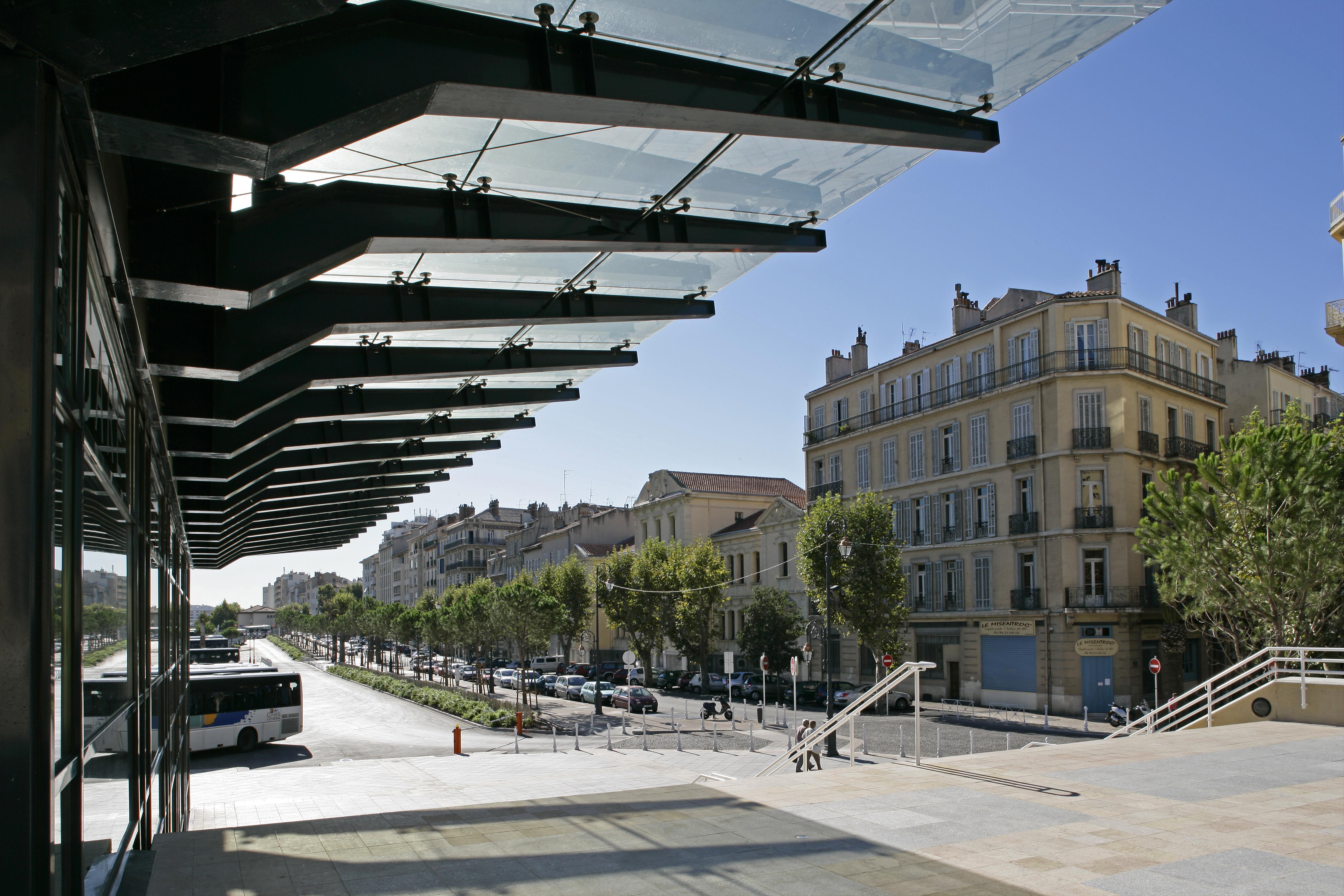 Préau de la gare routière de Toulon par AAPL architecte DPLG VAR
