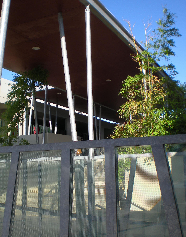 Abris et préaux - Collège Saint Maximin par AAPL Architecte DPLG VAR