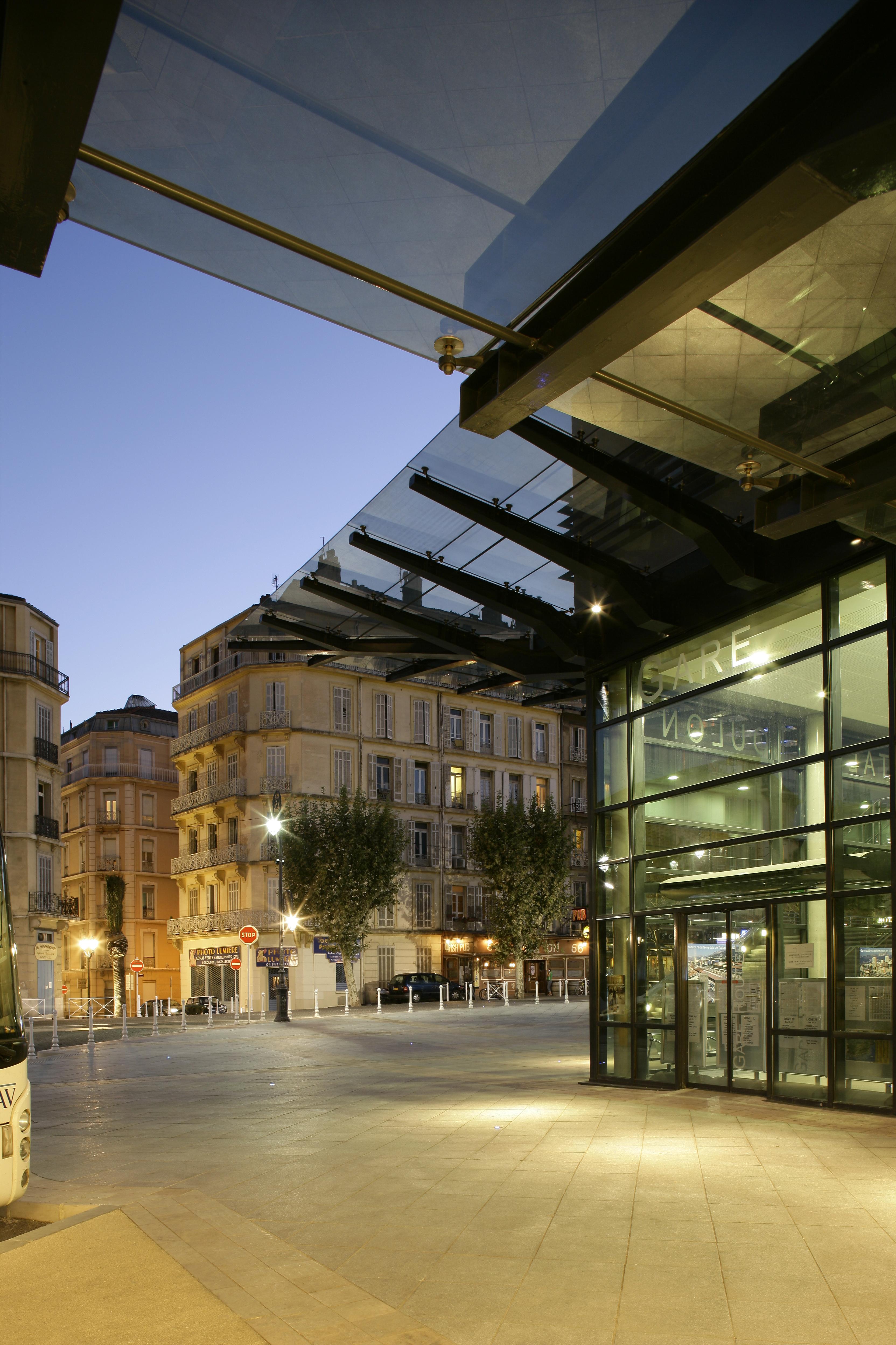 Gare routière de Toulon par AAPL architecte DPLG dans le VAR