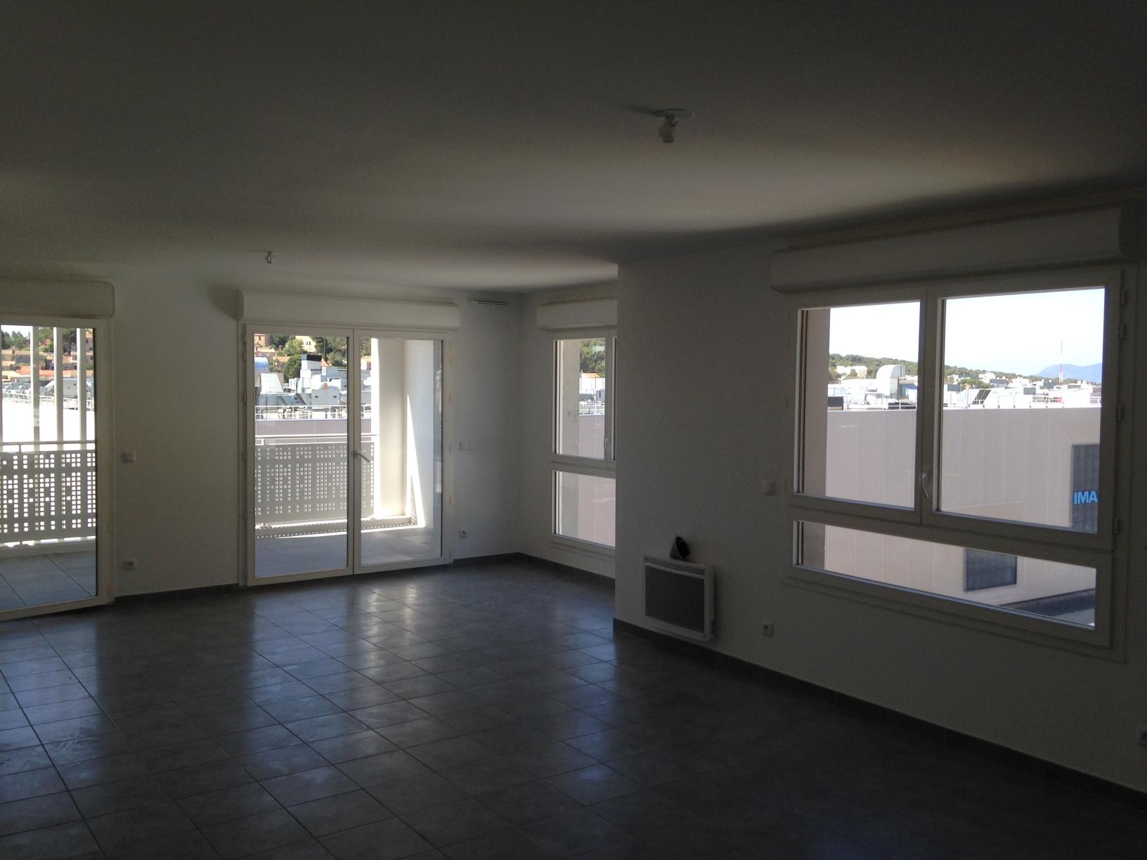 Intéreieur appartement 87 Logements La Valette par AAPL architecte DPLG dans le var