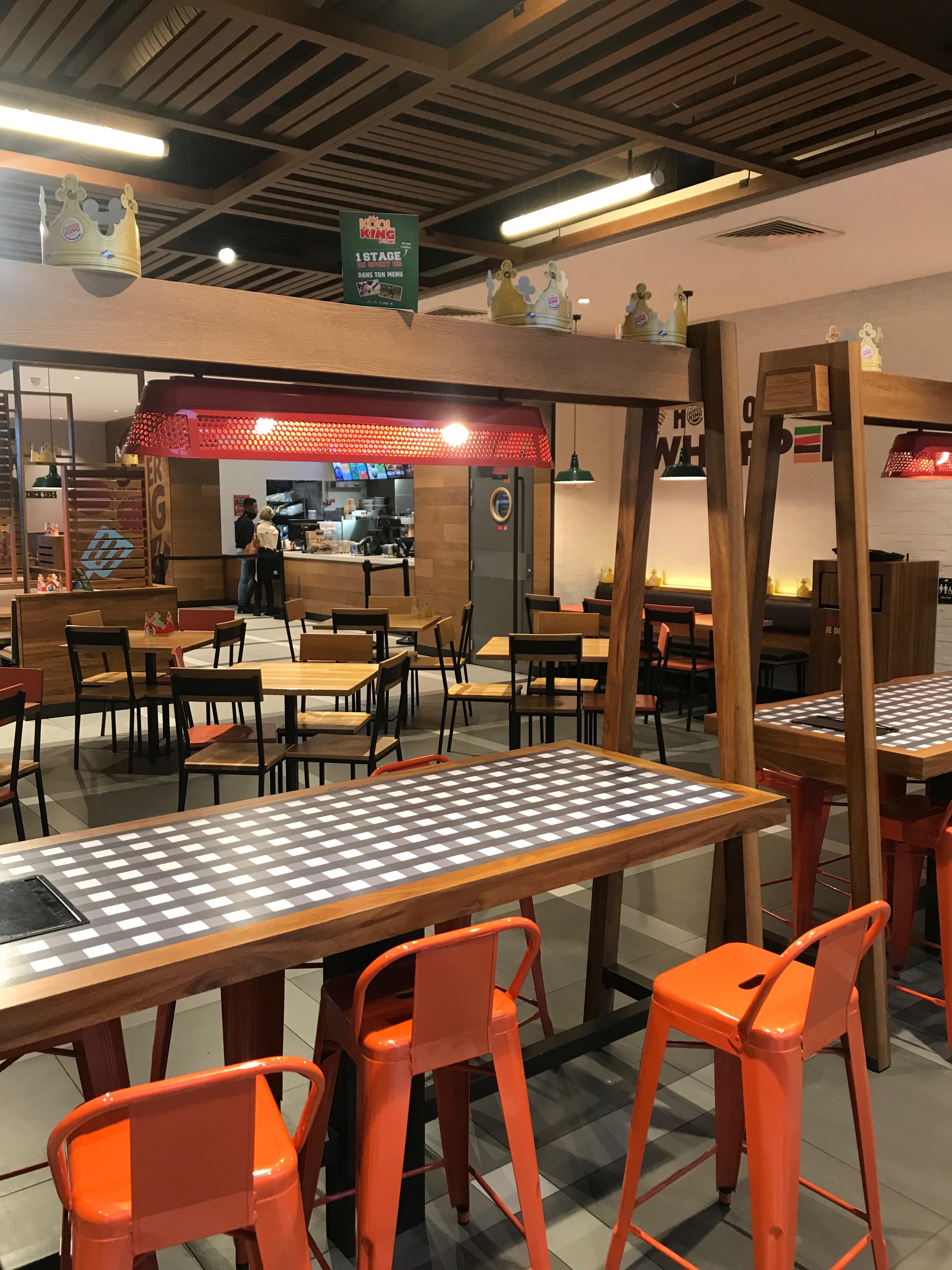 intérieur Burger King Avignon par AAPL architecte intérieur dans le VAR