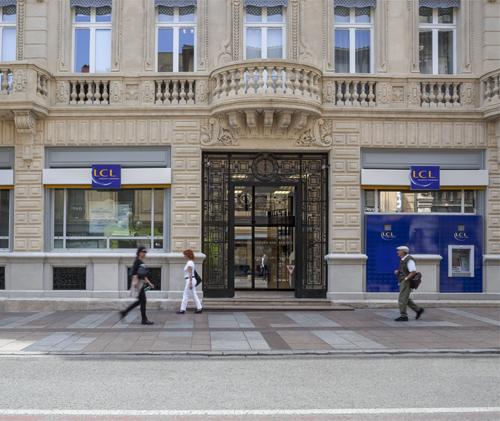 Architecte pour agence bancaire