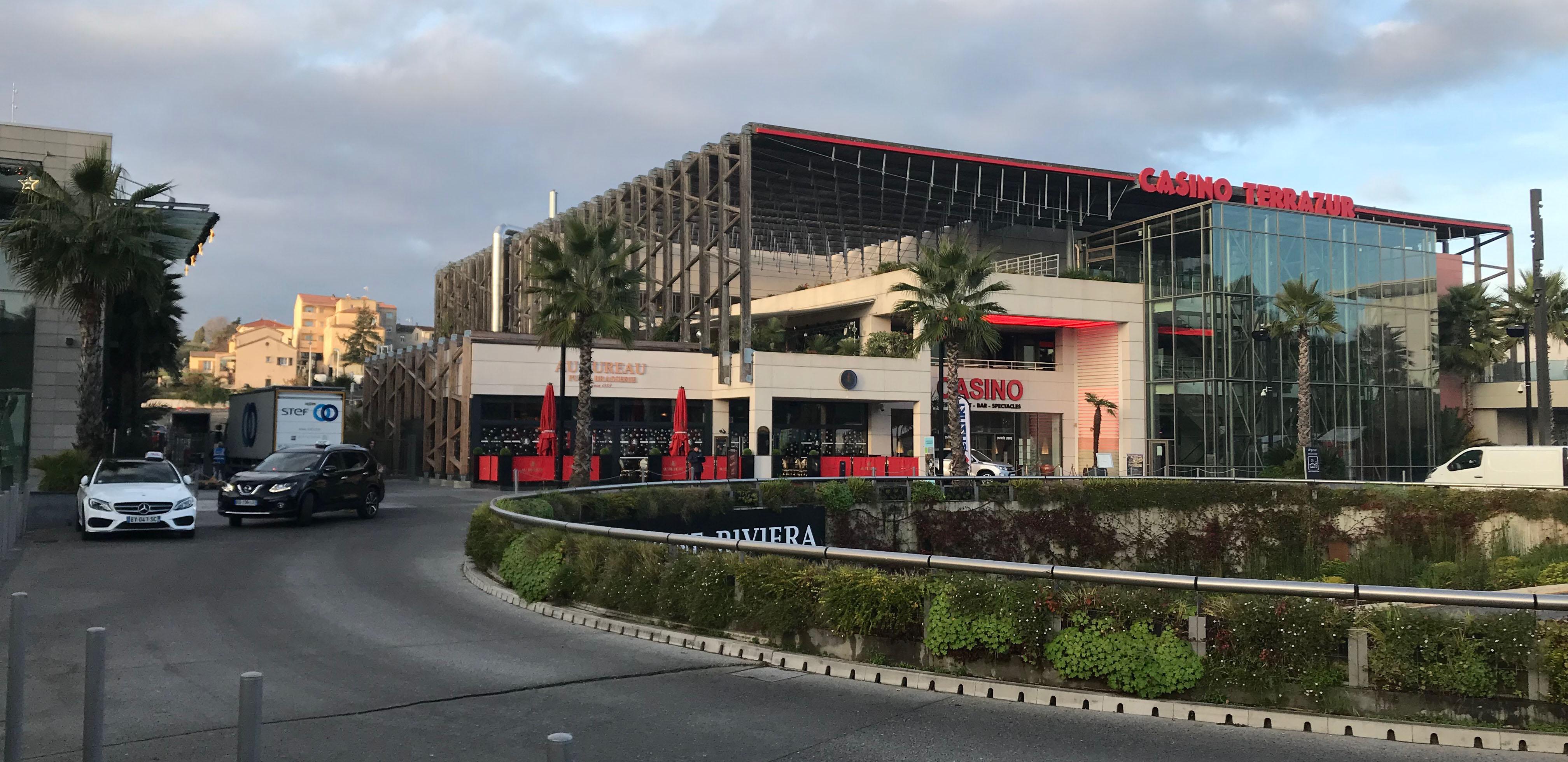 Extérieur Bureau Cagnes par AAPL architecte intérieur DPLG VAR