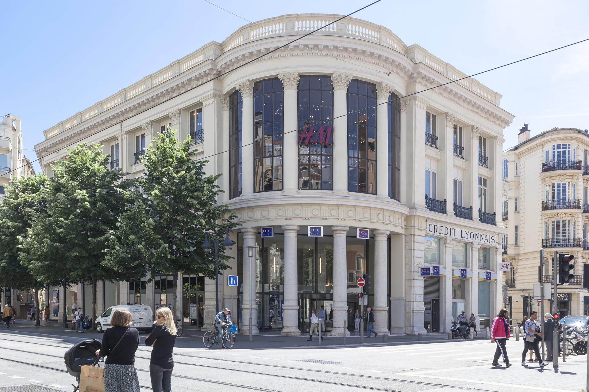 Extérieur de la banque LCL par AAPL architectes DPLG VAR